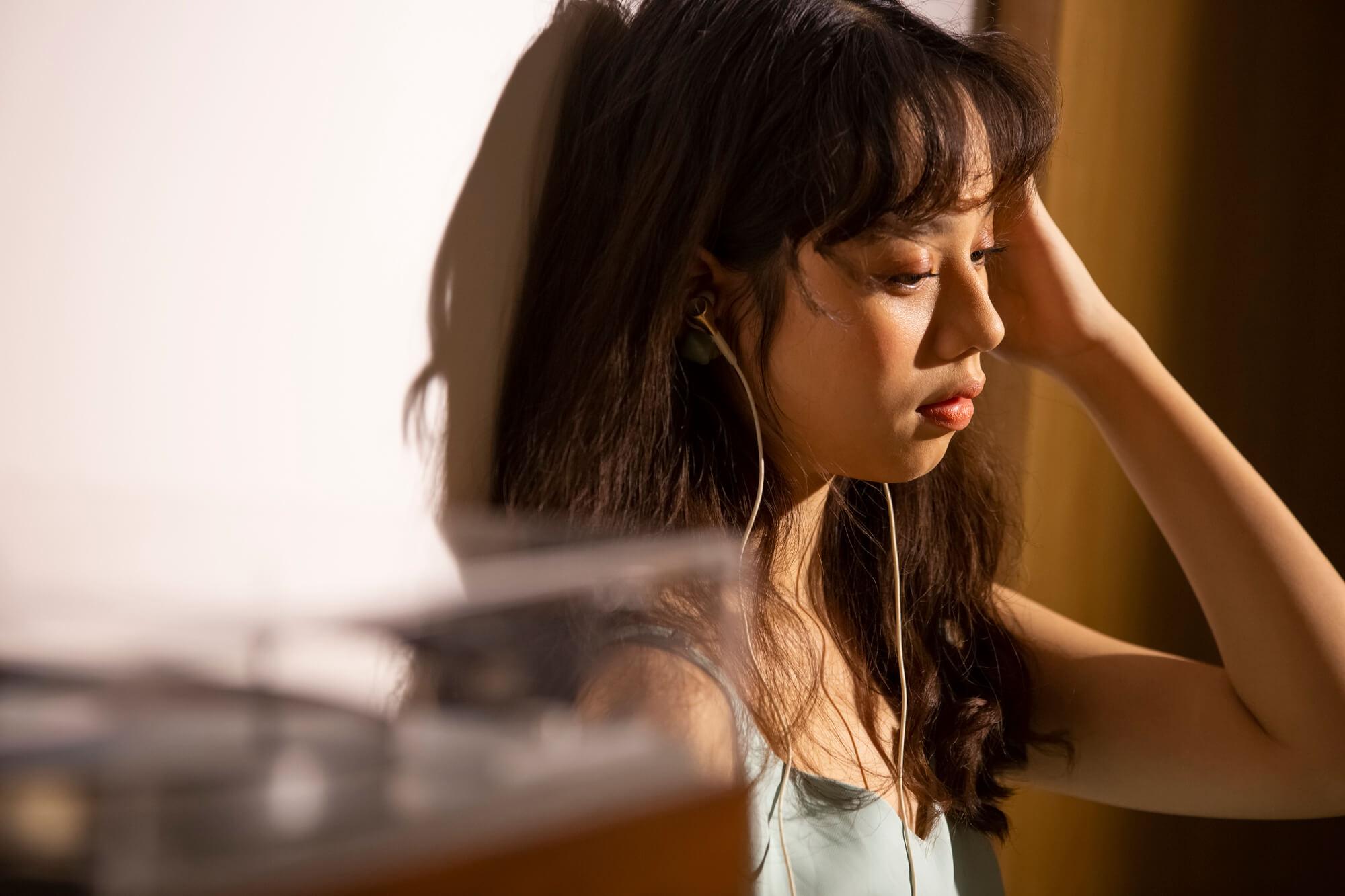 アスペルガー症候群と診断され職場の人間関係に悩む女性